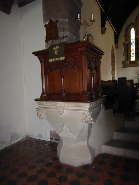 St. John the Baptist, Tidebrook: pulpit