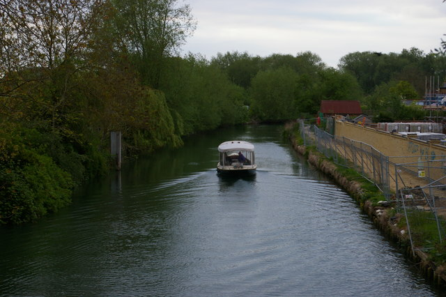 Looking up the Thames from Osney Bridge, Oxford