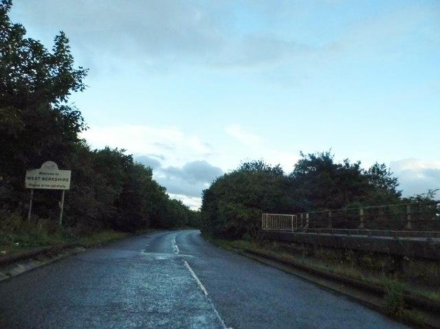 Baydon Road entering Berkshire