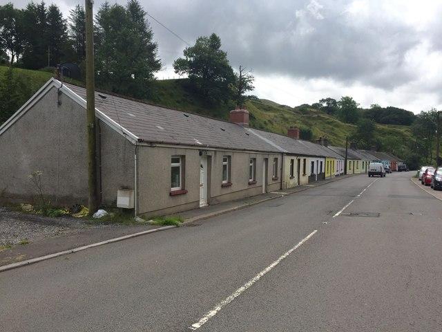 Gelli Houses on A4107