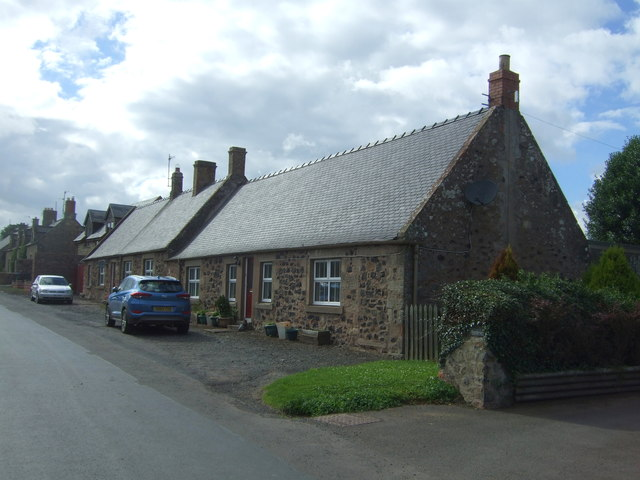 Cottages, Lintlaw