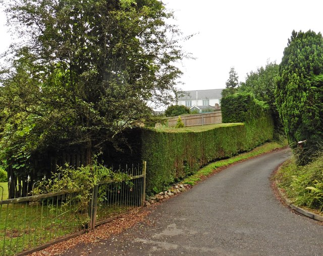 Driveway, Lower Yearlstone