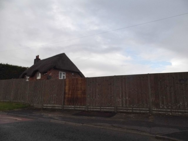Thatched cottage on Ermin Street, Shefford Woodlands