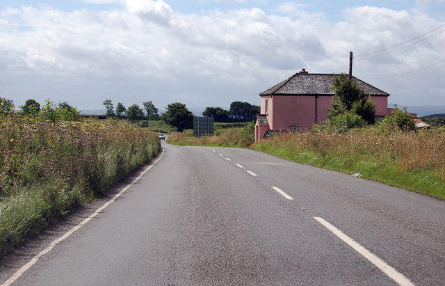 A3124 passes Dolton Beacon Cottage