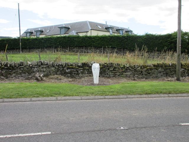 Milepost at Fonah