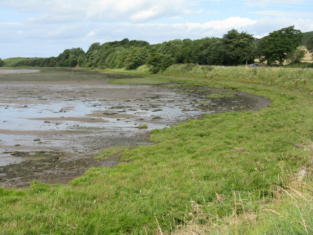 Shoreline near Waren Mill