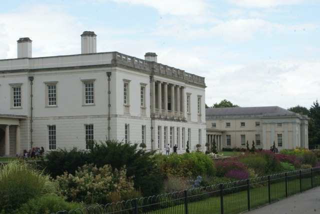 View of Queen's House from Greenwich Park #2