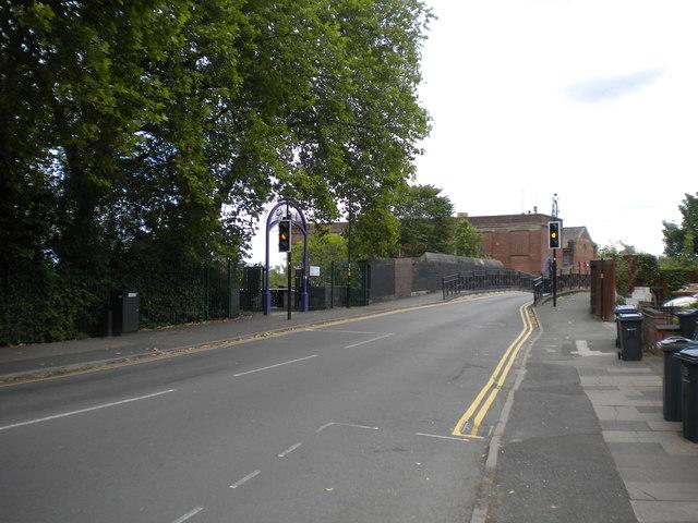 Mary Vale Road bridge, Bournville (1)