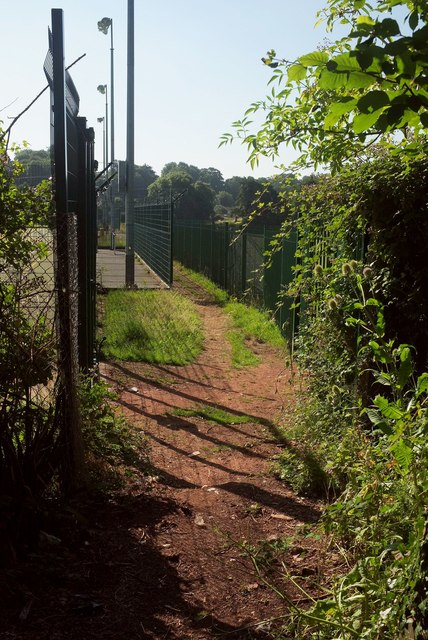 Path between fences, Shiphay