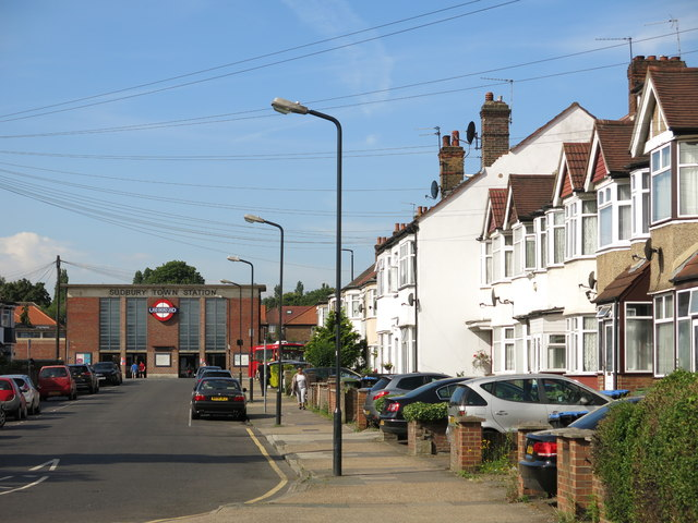 Station Approach, Greenford (2)