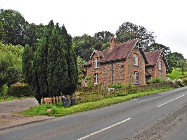Houses on Longdrag Hill