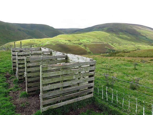 Sheep pens above Fulhope