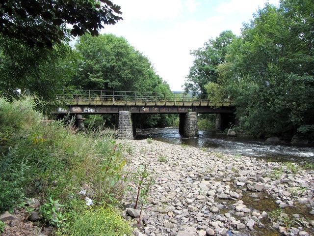 Railway bridge at Robertstown