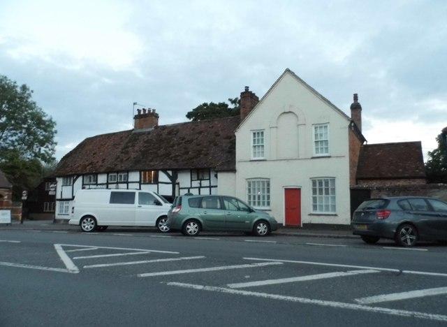 Houses on Bath Road, Woolhampton