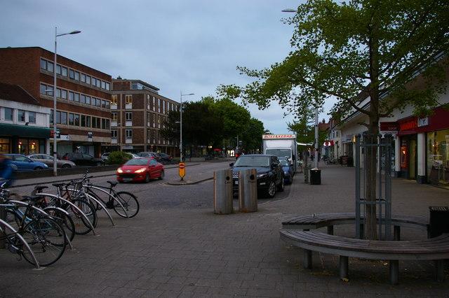 Summertown shopping area, Banbury Road, Oxford