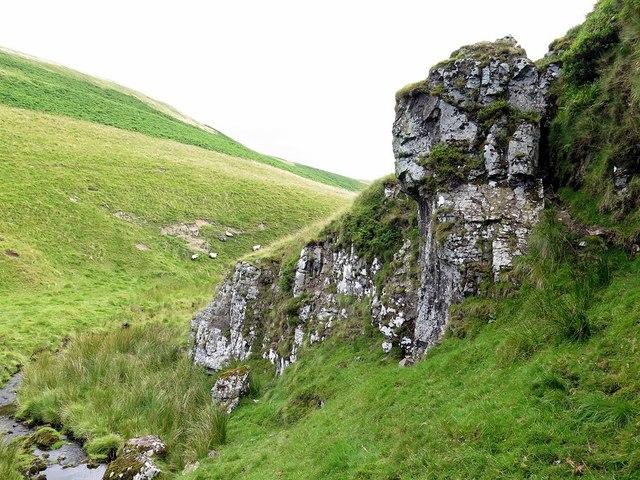 Rock outcrop near Rennies Burn