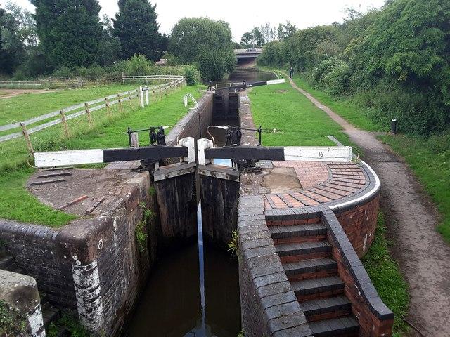 Worcester & Birmingham Canal lock number 16