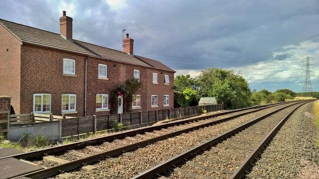 Cottages beside Marsh Lane level crossing