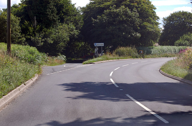 A3124 junction to Hollocombe