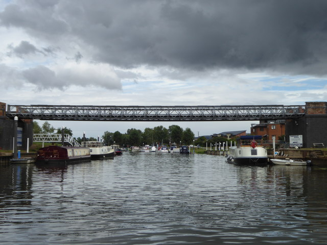 Disused railway bridge over the River Avon at Tewkesbury