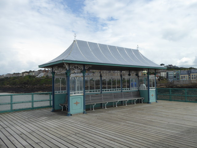 Shelter at the north east end of Clevedon Pier