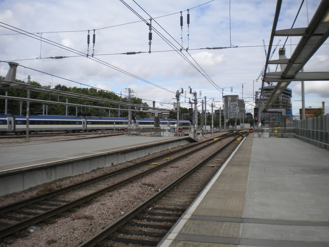 Ends of Southeastern platforms, London St Pancras