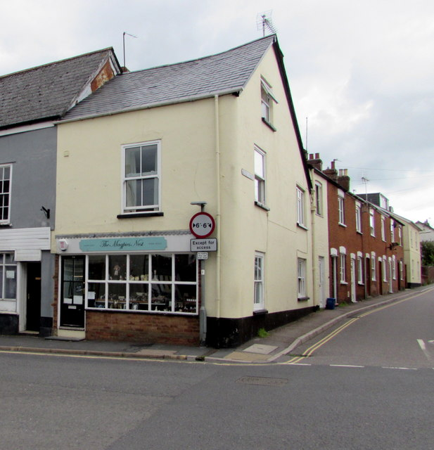 The Magpies Nest, Honiton