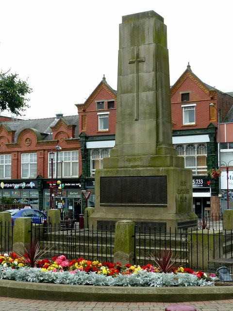 Ilkeston War Memorial, Market Place