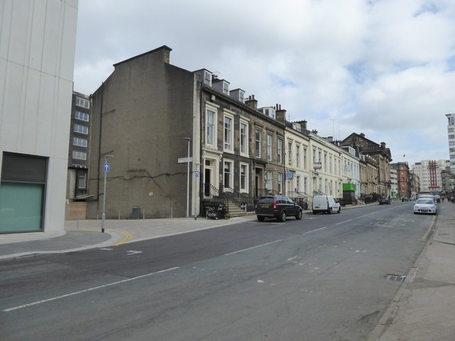 Terraced houses in Elmbank Street