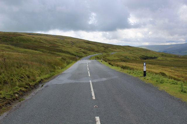 Descending into Wensleydale from Buttertubs Pass