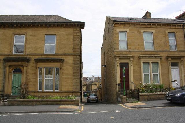 Back Giles Street (North) off Little Horton Lane
