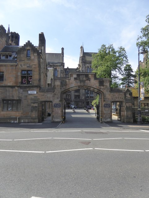 The main gate of Glasgow University