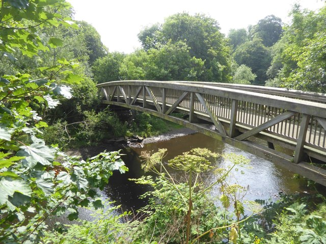 The Ha'penny bridge over the River Kelvin
