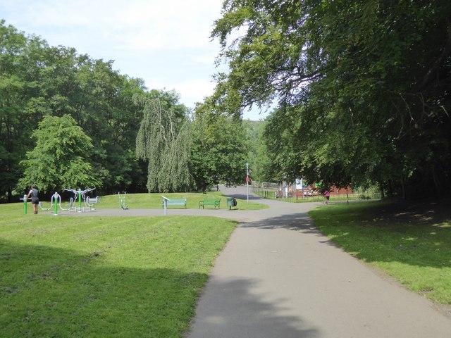 Kelvin Walkway and open air fitness equipment