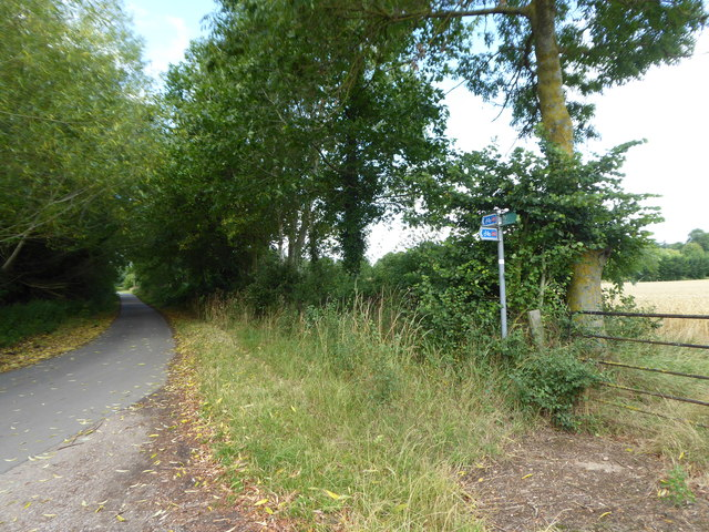 Sign on National Cycle Route 45 at Ratley Green