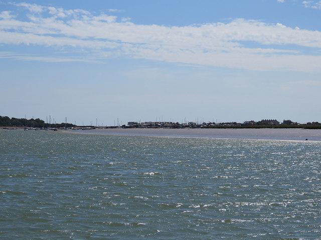 Towards Felixstowe Ferry
