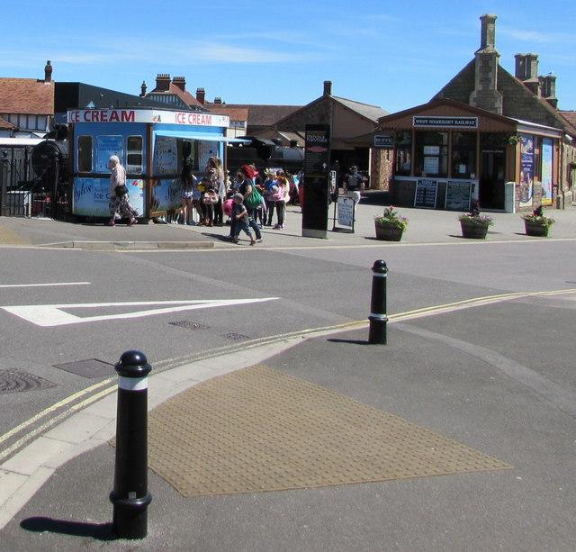 Ice cream stall on a Minehead corner