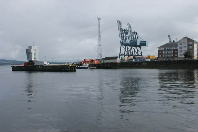Observation tower and cranes, Ocean Terminal