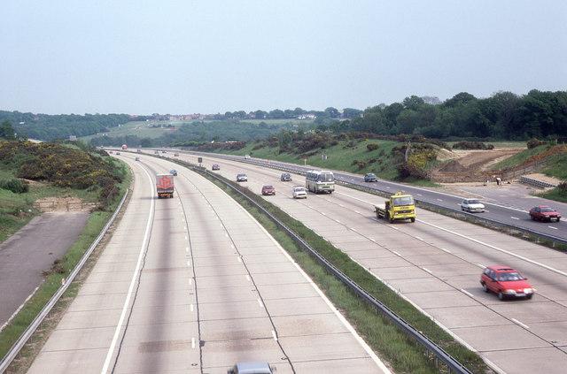 M27 looking eastwards from Whiteley Lane in 1987
