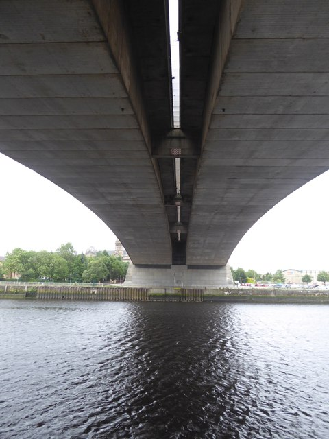 Under the Kingston Bridge