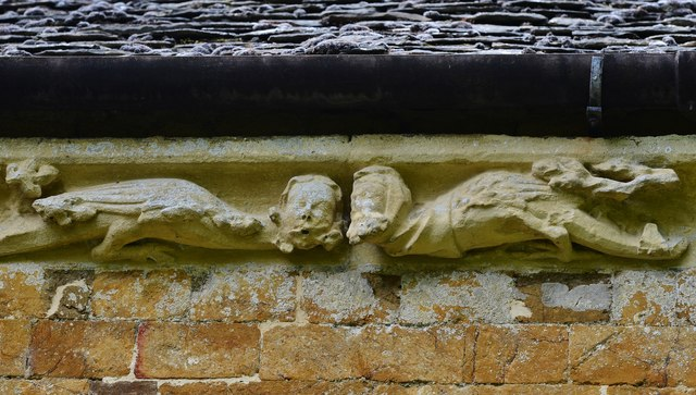 Hanwell, St. Peter's Church: South frieze, ca. 1340: Two winged creatures