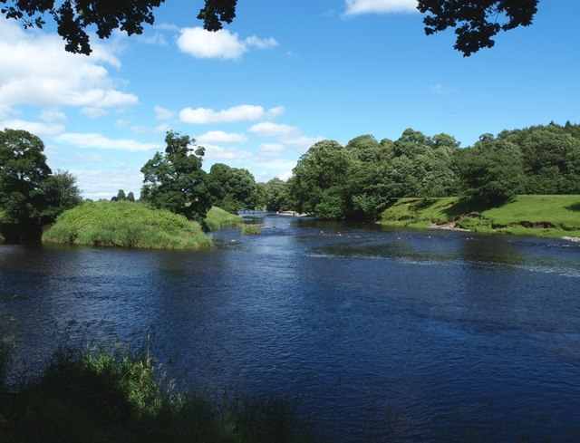 Rivers Ribble and Hodder meet