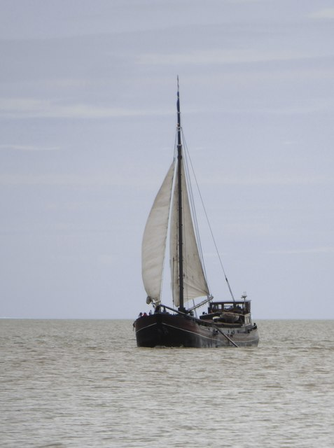 Dutch sailing-barge 'Twee Gezusters' off Shellness (1)