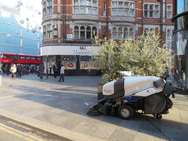 Keeping London clean - Davies Street