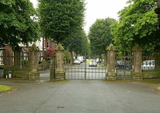 Main gates, Park Cemetery, Ilkeston