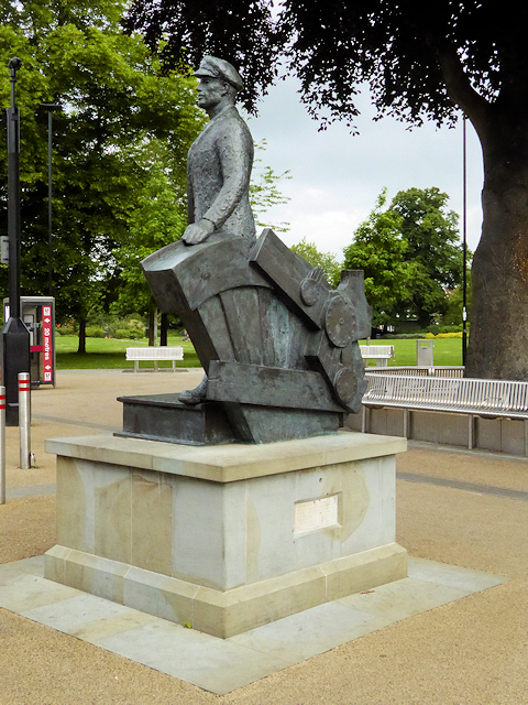 The Railway Man's Statue, Eastleigh
