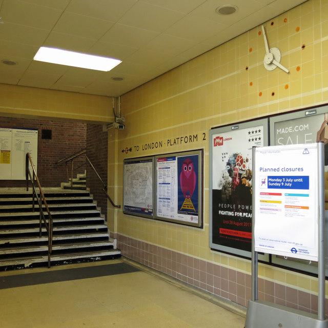 Ruislip Manor tube station - interior