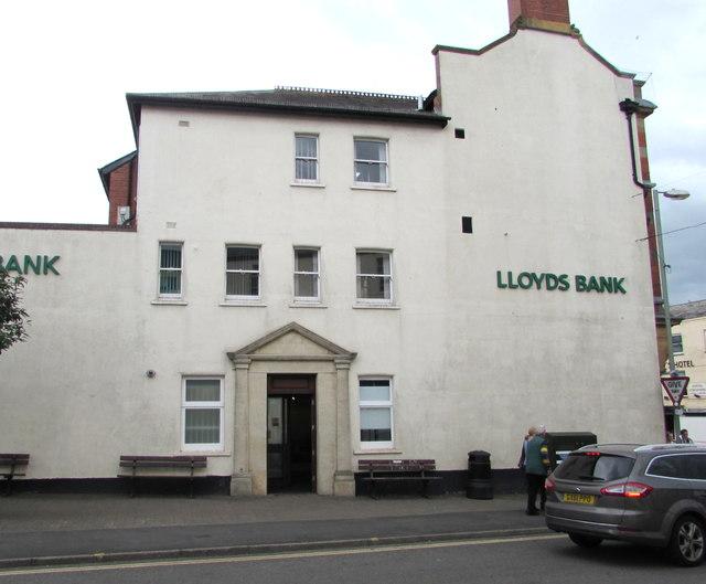 Lloyds Bank Honiton