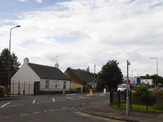 Two older cottages in Peffermill Road
