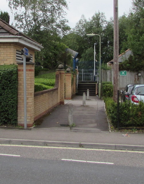 Footpath to Chandler's Ford railway station